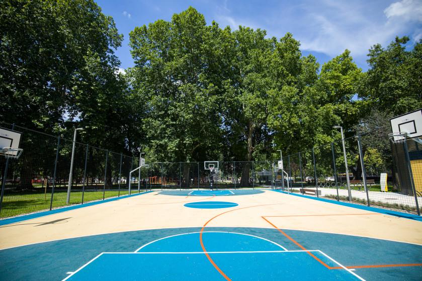 Basketball and streetball court