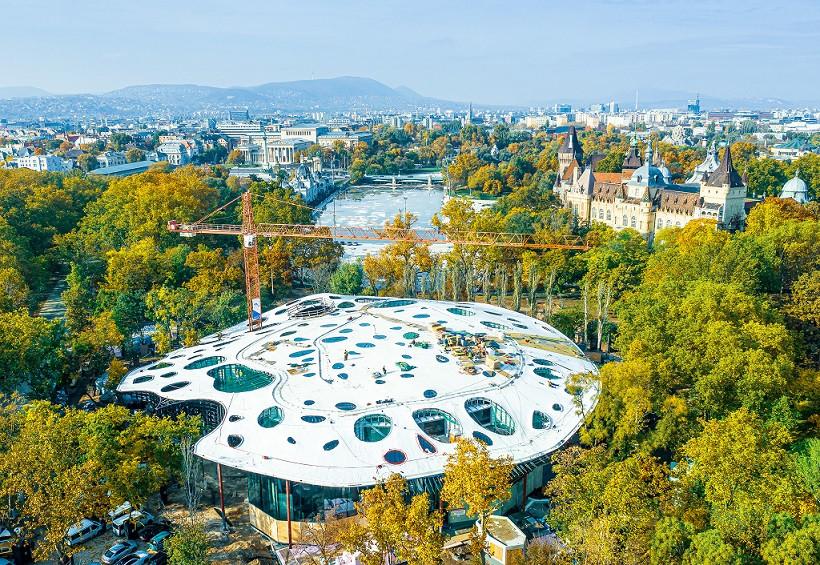 A CNN 2021 legizgalmasabb épületei közé választotta a Városligetben épülő Magyar Zene Házát